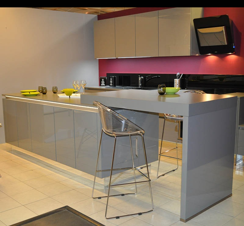 Poubelle cuisine integree maison design for Cuisine integree
